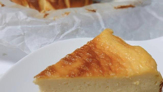 甘酒バスクチーズケーキ